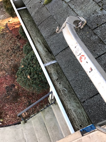 nj-gutter-repairs-fix-hanger-clips-south-jersey